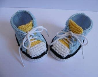 Baby sneakers booties