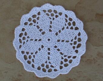 10 cm white doily pattern 8 flower petals