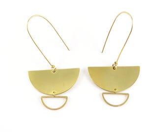 Minimalist geometric earrings half moon raw brass circle. G-002