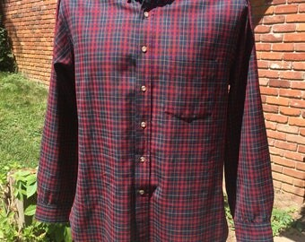 80s Pendleton all wool plaid oxford szL slightly distressed single pocket authentic vintage Pendleton shirt Navy green red beige Made in usa