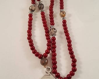 "XL chain in dark red, acrylic beads, snake agate and metal pendant ""spiral"""