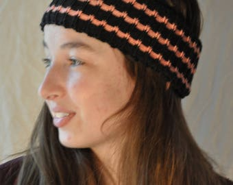 Black headband and peach knit