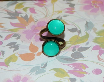 Ring adjustable double green glass cabochons