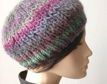 bonnet slouch en laine multicolore fait main au crochet. Black Bedroom Furniture Sets. Home Design Ideas