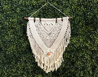Medium Macrame Wall Hanging on a Foraged Branch with an Orange Carnelian Crystal, Woven Wall Hanging, Boho Hippie Tapestry, Bohemian Decor