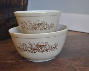Pyrex Forest Fancies Mixing Bowl 401 402