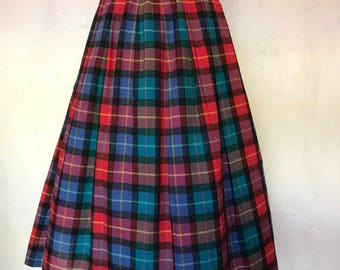 Tartan yard-dye darted waist vintage inspired skirt with button detail