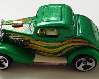 Hot wheels Hot rod 1979 Green with flames decals