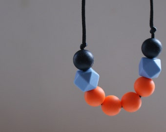 Tangerine baby-friendly necklace - new baby/baby shower/gift