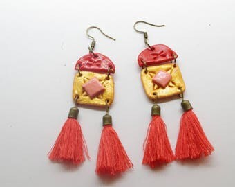 Salmon gold dangle earrings