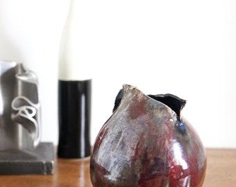 Burgundy, red 50s/60s ceramic vase style art deco vintage