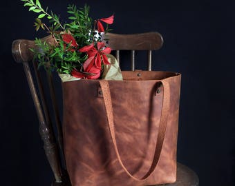 Medium leather tote bag - Tobacco distressed leather - Hand stitched shopper bag