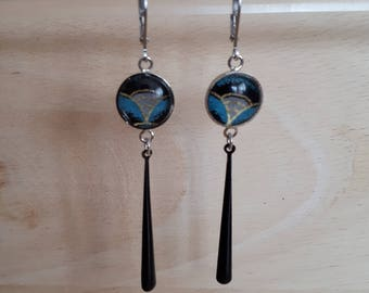 Earring drop and glass cabochon enamel black