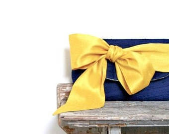 Navy Bridesmaids Personalized Gifts Summer Beach Wedding Bridesmaids Gifts Navy Blue Bridesmaid Clutches Nautical Bridesmaids Wedding Clutch
