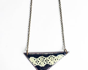 Black and White Reversible Necklace