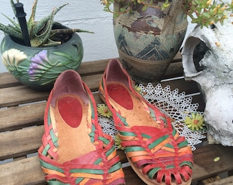 CHIC 80s Vintage Huarache Woven colorful earthy Leather Sandals size 10 flats shoes
