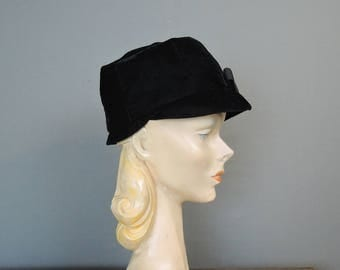 Vintage Black Velvet Hat, Mod 1960s Hat with Brim and Bow, 21 inch head