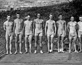 Yale Rowing Team 1910s Photo