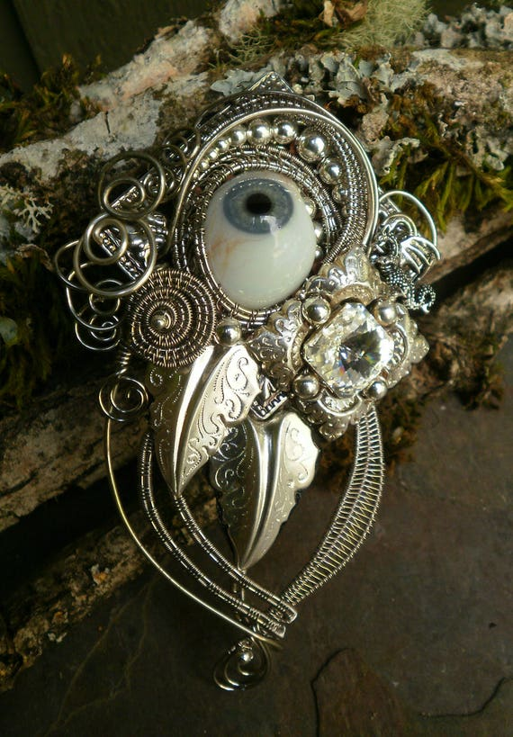 Gothic Steampunk Antique Prosthetic Grey Blue Eye Pin Pendant Brooch with Tiny Dragon