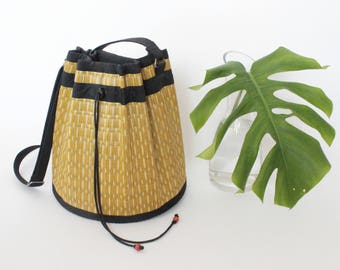 Vintage Bamboo Purse   Vintage Woven Straw Crossbody Tote   Drawstring Bucket Bag
