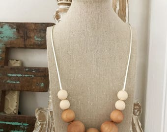 Wooden Teething Necklace - Silicone Beads - Chewable Jewelry - Mom Jewelry - Baby Gift - Necklace