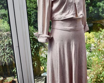 Vintage 1940s Pale Pink Skirt and Jacket Set Suit sz 10-12 UK