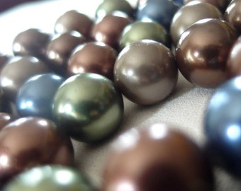 """14mm Round Shell Pearls, Tahitian Blue, Taupe, Chocolate Brown, Olive Green, Warm Brown, 16"""" strand, 29 beads"""