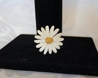 White Daisy Brooch, Daisy Brooch, Daisy, Brooch