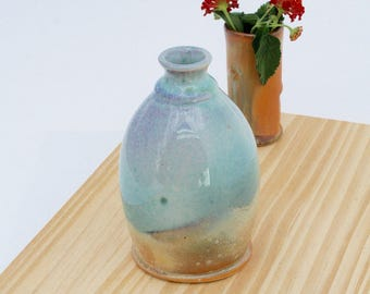 Green with Red Violet Blush Bud Vase #01, Scented Oil Diffusers, Scented Oil Containers, Petite Flower Vases