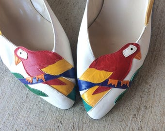 vtg 80s white PARROT PRINT Tropical Toucan WEDGES 10 novelty white rainbow bird colorful leather kitchy flats shoes ooak unique rare
