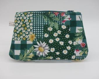 Green & Daisy Makeup Bag, Travel Bag, Cosmetics Clutch, Floral Bag, Zip Pouch, Wet Sack, Ditty Bag, Makeup Pouch