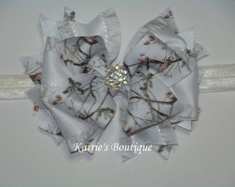 Camo Hair Bow / Snow Camo / White / Flower Girl / Wedding / Pageant / Bling / Girl / Baby / Infant / Toddler / Custom Boutique Clothing