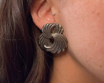 Oversized Abstract Swirl Earrings / 80s Sculptural Earrings / Bold Statement Earrings / Costume Jewelry / Fashion Earrings