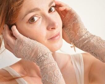 Light brown bridal lace fingerless gloves