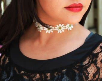 Lace White Flower Choker Necklace Boho Music Festival Daisy Handmade
