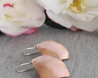 Casual Copper Earrings, these large copper diamond shaped earrings are set on sterling silver earring backs : CdiDlHDvx