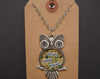 she's got sunshine in her soul - Owl Art Pendant - Inspirational Message - FREE SHIPPING