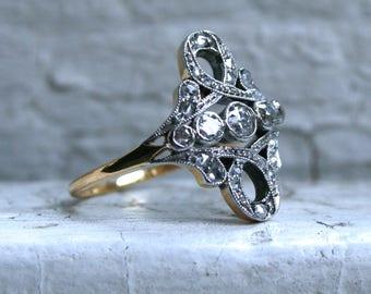Sweet Antique 18K Yellow Gold Diamond Ring Engagement Ring.