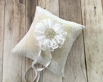 Ring bearer pillow, natural linen and white lace wedding ring bearer pillow.