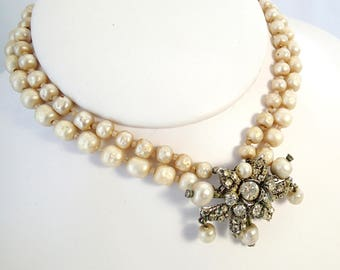 """FREE Shipping Vintage De Mario NY Signed Stunning Faux Baroque Pearls Glass Beaded Necklace Rhinestone Floral 17"""" Pearlescent Off White"""