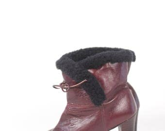 VINTAGE Oxblood Leather Booties w Black Fleece Lining + Stacked Chunky Heel sz 7.5 | Brown Ankle Boots
