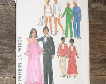 Simplicity Sewing Pattern 7737 for Barbie Dolls