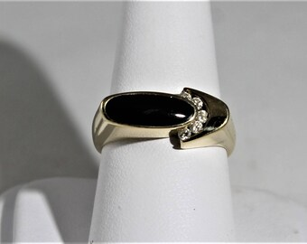 14k gold Onyx Diamond ring
