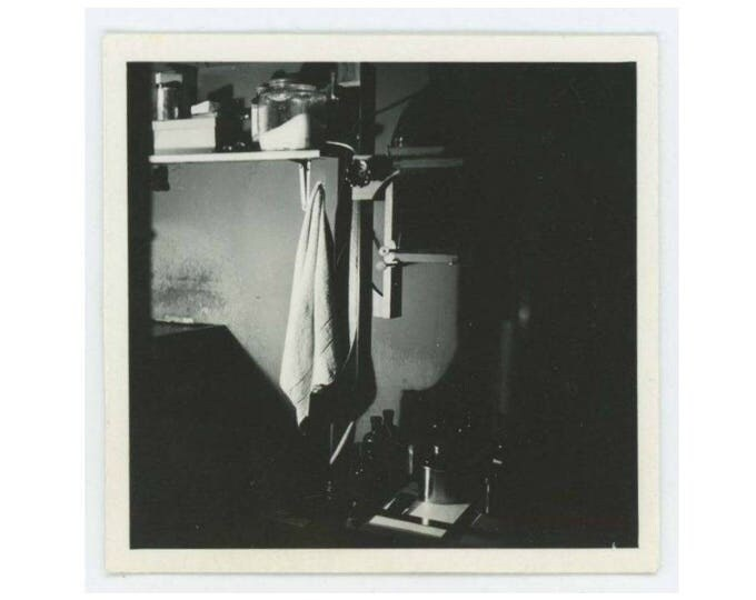 Vintage Mini-Photo Snapshot: Darkroom, c1940s (76588)