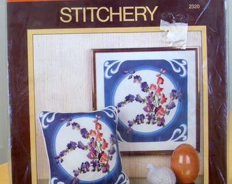 FREE SHIPPING! Sunset Stitchery 1982 Sweet Peas yarn needlework kit. Stretcher bars not included.