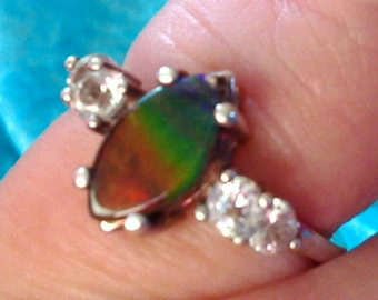 Ammolite and topaz 925 silver ring size M.
