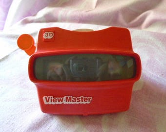 Vintage Red Plastic 3D Stereo ViewMaster, Made in the USA, Original Sample Stereo Reel, Retro Toy for Boys & Girls