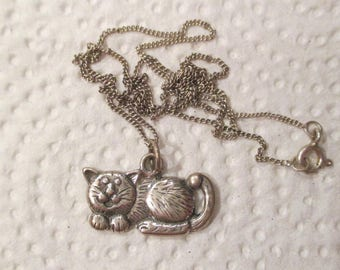 Vintage STERLING Silver LAYING CAT Pendant Necklace 16.5in, Signed, Adorable Detailed Kitty Cat, thick and cute, Gift, Cat Collectible .925