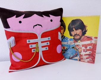THE BEATLES. Sargent Pepper's lonely hearts club band 1  handmade cushion cover;  the beatles pillowcase; John, Paul, George and Ringo
