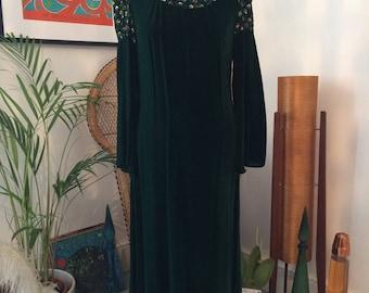 Vintage 60's 70's medieval green velvet embroided flower maxi dress size 10/12